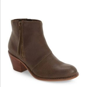 Sole Society Chelsea boots